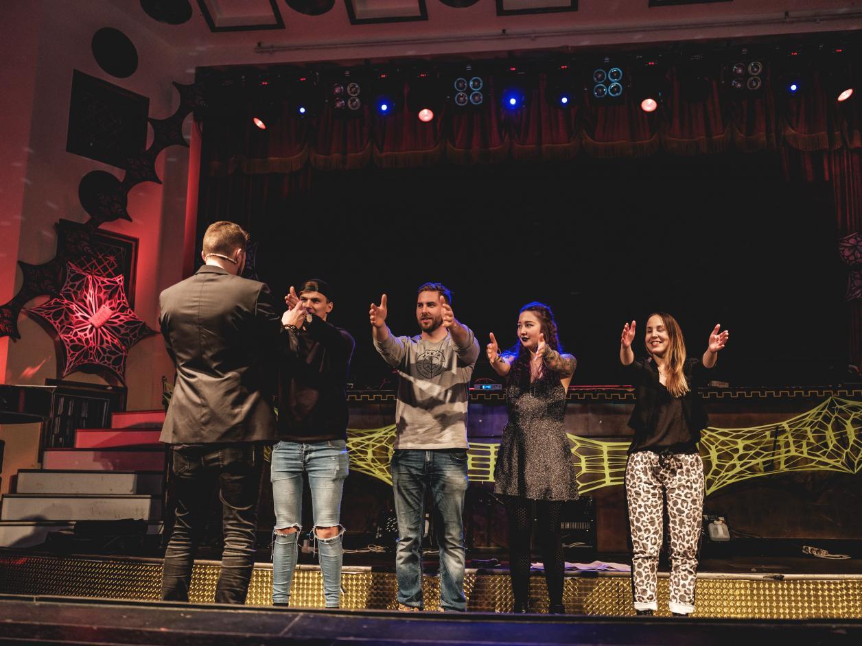Vuoden 2019 bileissä lavalle nousivat Erkka V. Lehtola, Rudi Rok, Jose Ahonen ja taitavat paperiliittolaiset. Kuvakarusellin kuvat: Ossi Pietiläinen