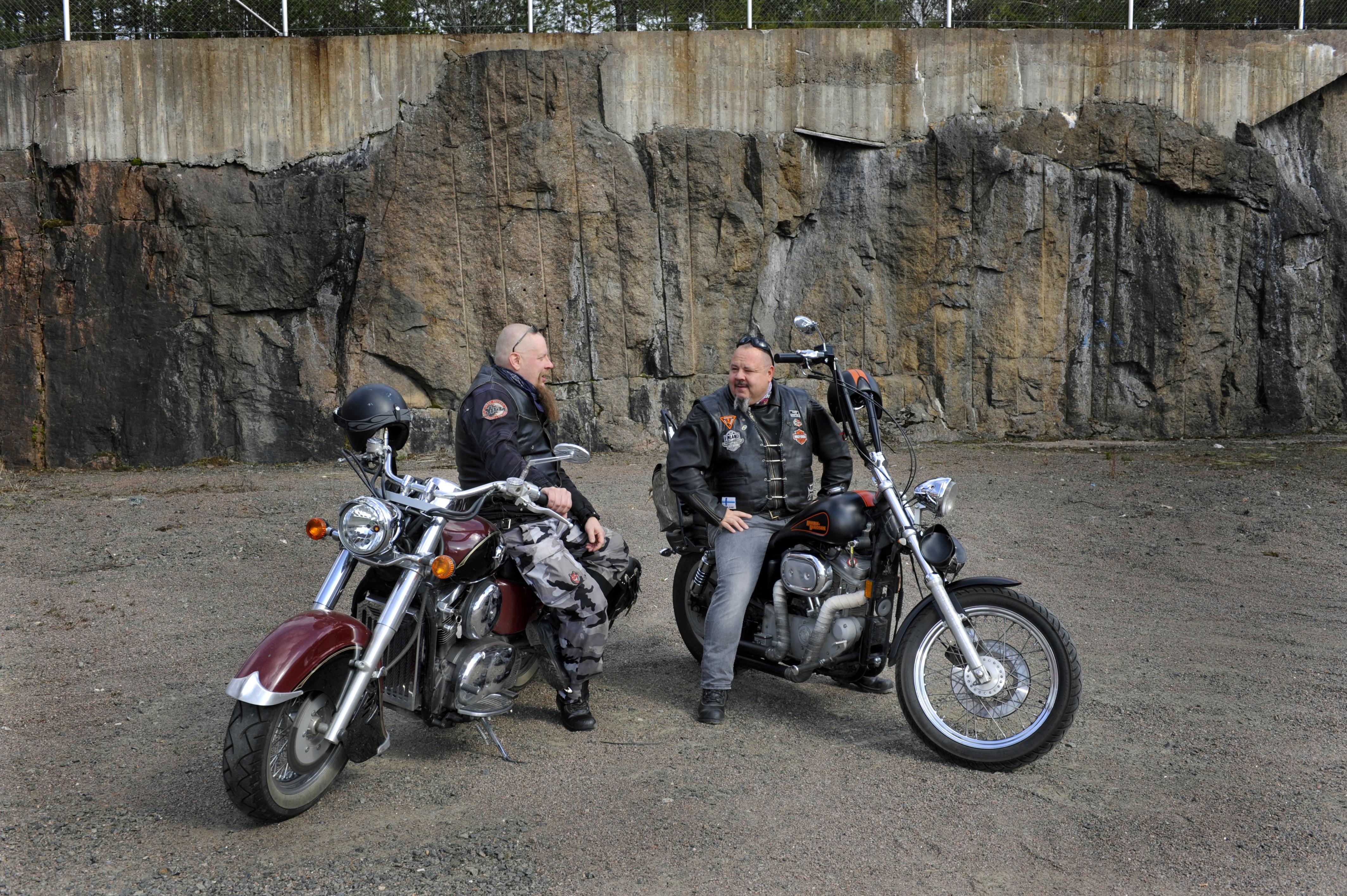 Mika Rutanen ja Vesa Tolppala osallsituvat välillä kokoontumisajoihin tai ajelevat muuten vaan.