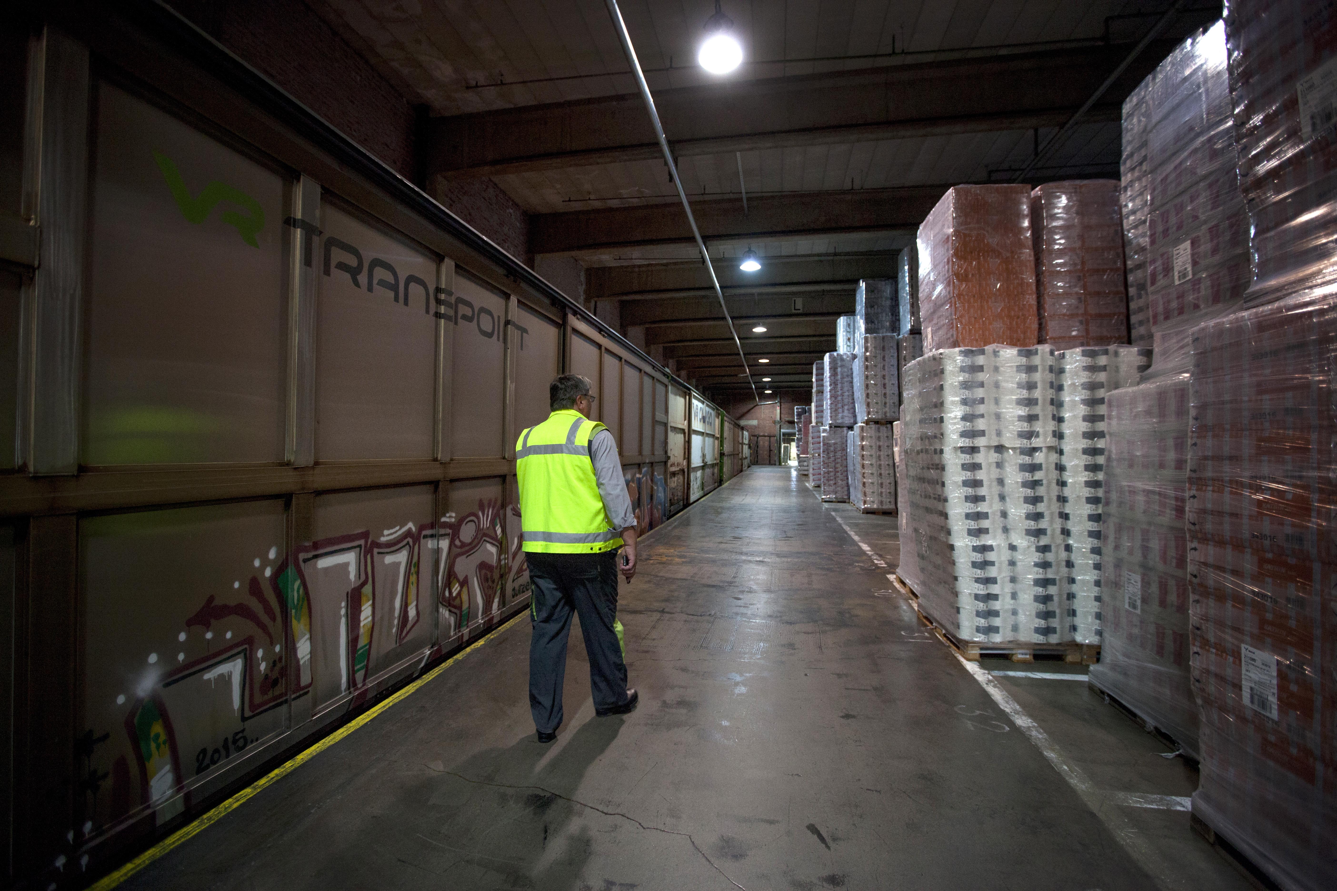 Timo Virtasen työpaikalla Mäntässä tuotanto halutaan varmistaa myös poikkeusoloissa.