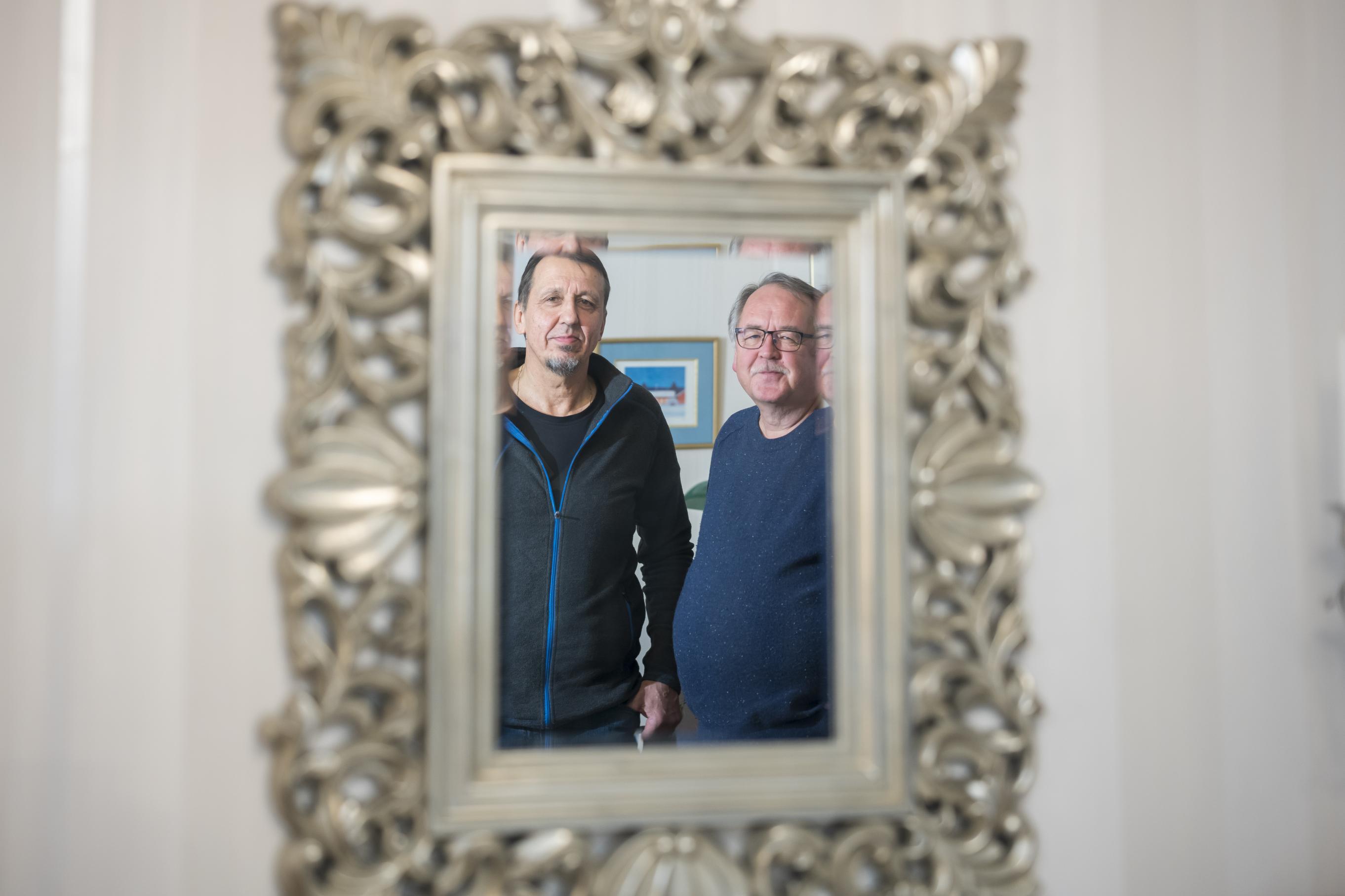 Harri Saarinen ja Veijo Rantanen ovat lapsuuden ystäviä, jotka ovat olleet myös työtovereita vuodesta 1974 lähtien.